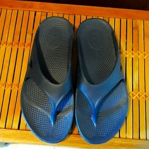 💙🏃♀️OOFOS Navy Blue Recovery Sandals Sz M-6/W